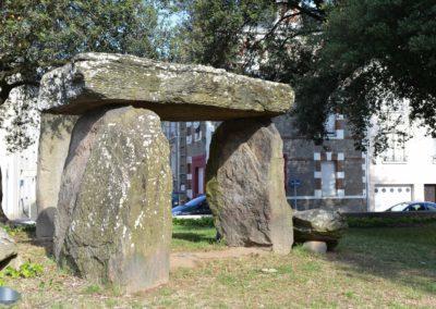 Place du dolmen (©Martin-Launay-Ville de Saint Nazaire)