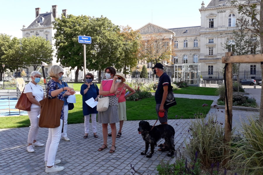 Greeter walk in the city centre of Amiens